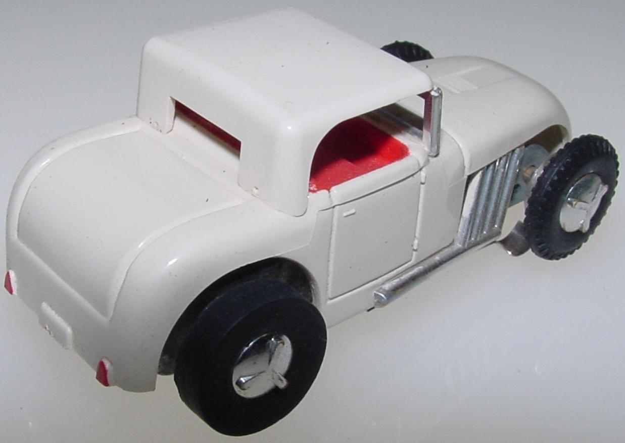 Aurora Vibro White HO Slot Car Hot Rod Rod Trunk